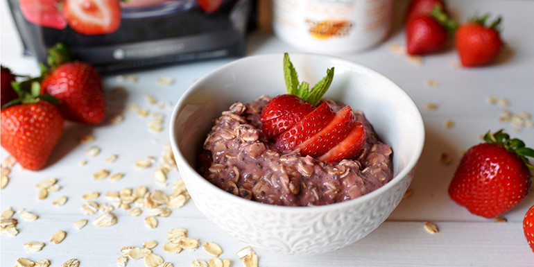 Strawberry-Shakeology-Overnight-Oats.HEADER